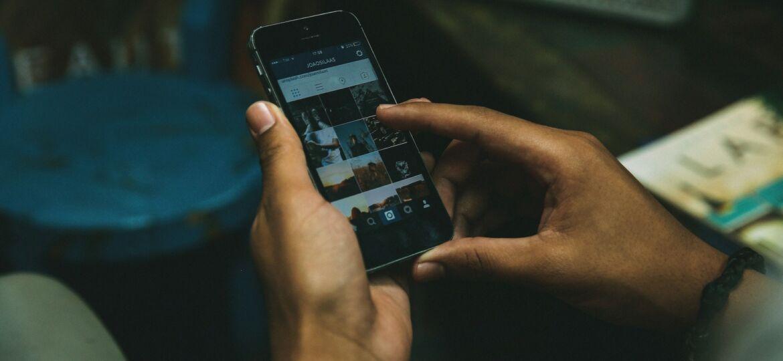 Smartphone mit INstagram